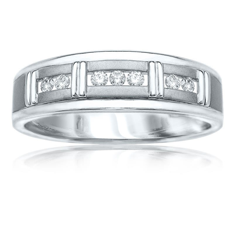 Men's Brilliant-Cut Diamond Station Band 1/4 ct. T.W.
