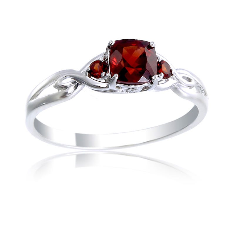 Red Garnet Gem & Diamond Birthstone Ring