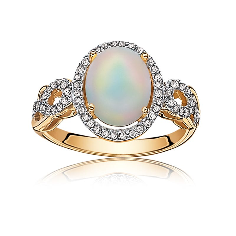 Opal Oval-Shape Diamond Halo Ring in Yellow Gold