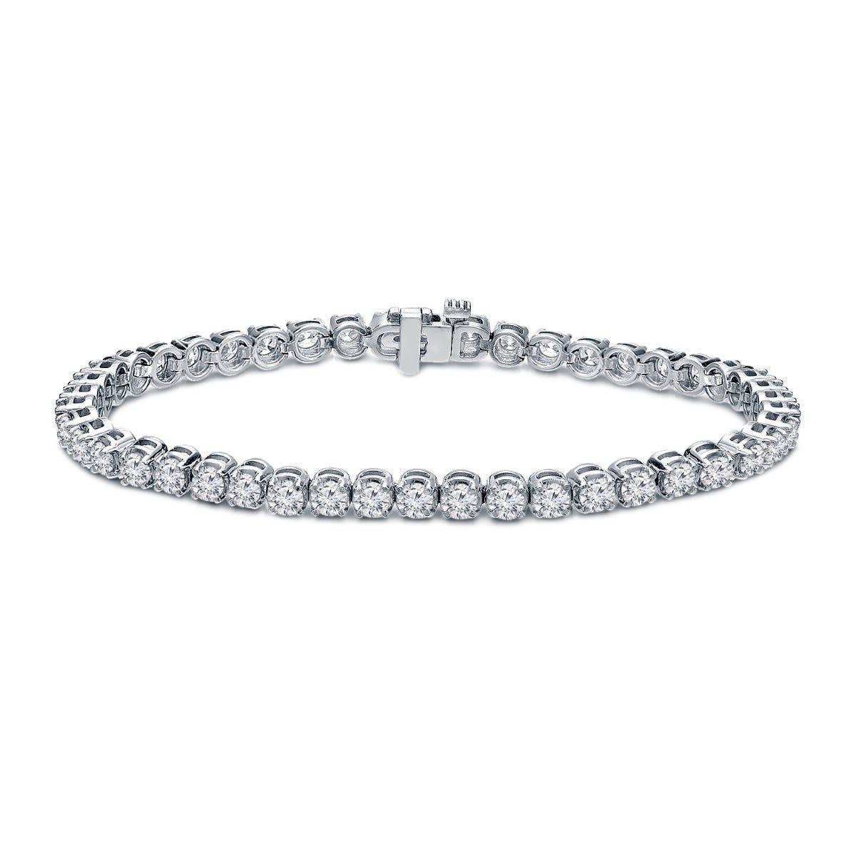 6ctw. 4-Prong Round Link Diamond Tennis Bracelet in 14K White Gold  (IJ, I1-I2)